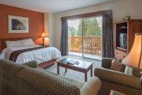 Deluxe room with Queen bed at Hacas Inn